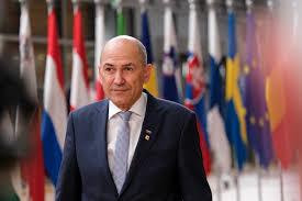 """Con la presidencia de Eslovenia se acaba manifestando claramente el desastre de la UE y la división existente entre 'la Europa occidental"""" y el resto"""
